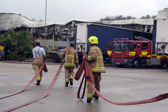 Major Fire breaks out at Packaging Warehouse in Basildon