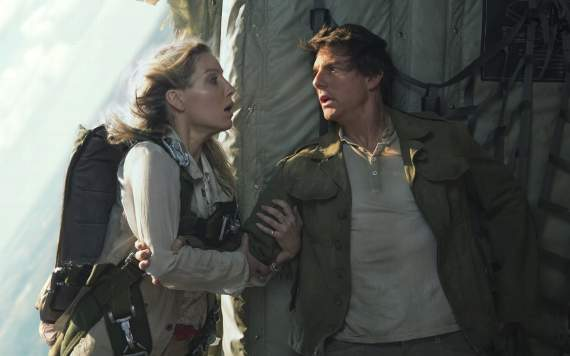 'The Mummy' awkwardly stumbles into Dark Universe
